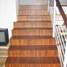 prumyslova-mozaika-teak-schody